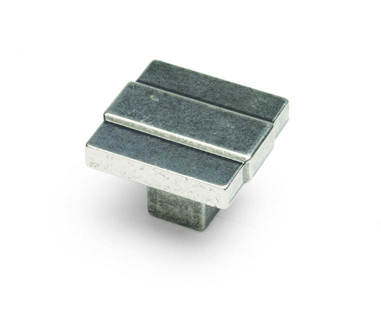 Cromwell knob pewter effect